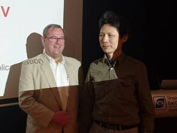 林宏洲醫師與國外醫師於研討會合影