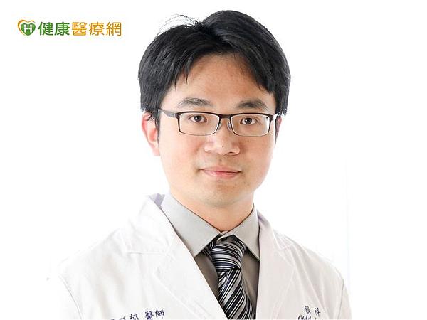吳廷郁醫師呼籲,若發現視力變差、視線模糊、扭曲,應立即至眼科檢查並治療。