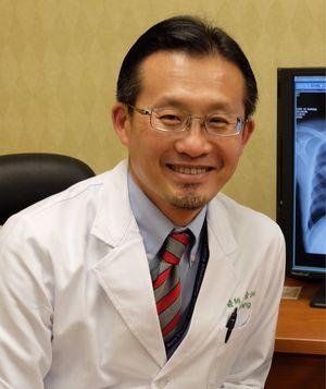 高雄長庚醫院胸腔內科主任王金洲
