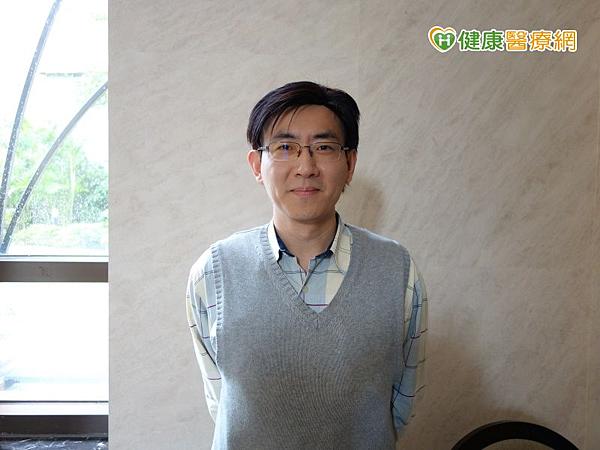 恩主公醫院張嘉峰主任指出,口服碳素粒子搭配低蛋白飲食改善腎功能。