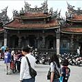 清水祖師廟假日香客、遊客多多