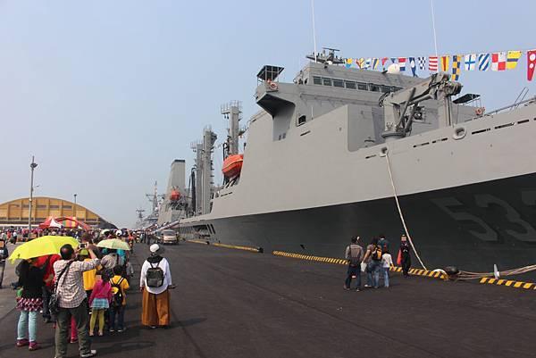 磐石號快速戰鬥支援艦
