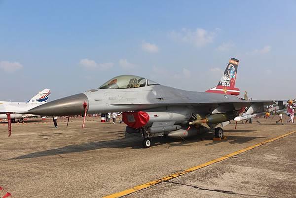 F–16型戰術戰鬥機
