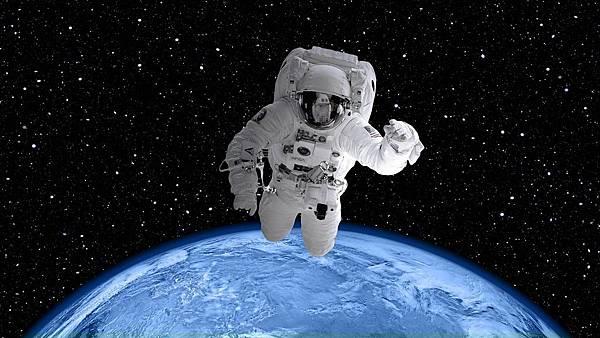 space-suit-2539247_1280.jpg