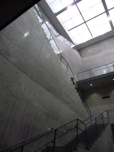 迴廊式的天井空間