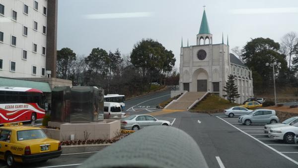 飯店外的教堂