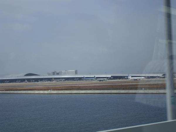 Renzo Piano設計的機場 概念是機翼