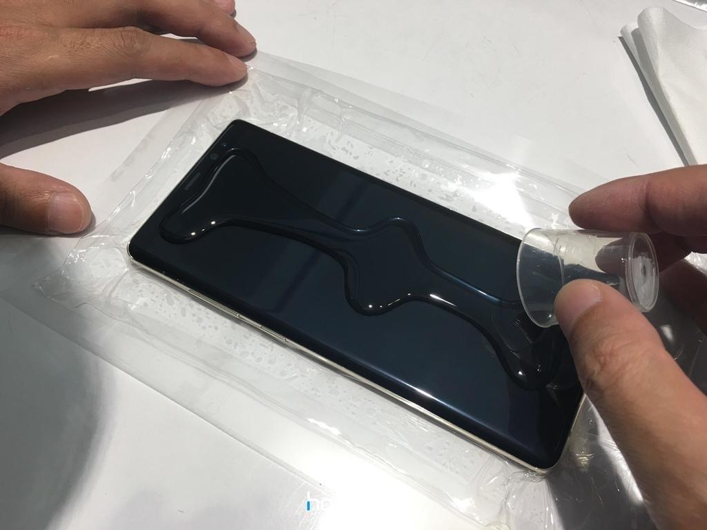 三星 Note8 螢幕大曲面,hoda 罩得住!