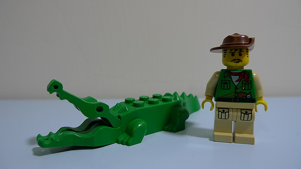 LEGO 7410 b