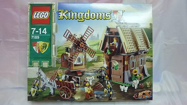 LEGO 7189 a