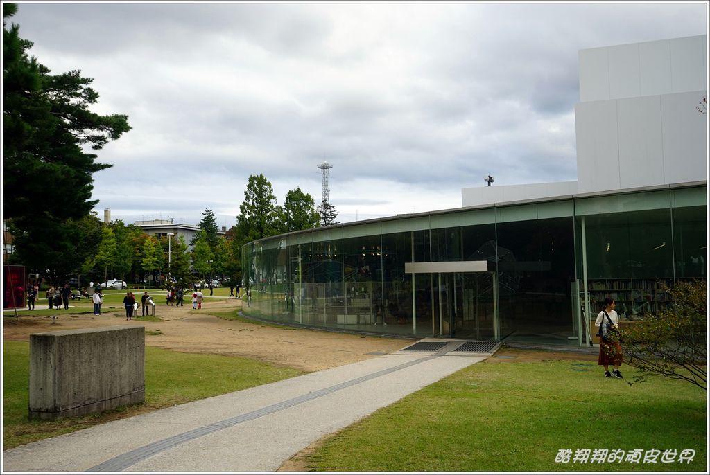 21世紀美術館-01.JPG