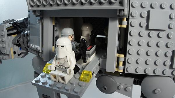 LEGO 8129 o