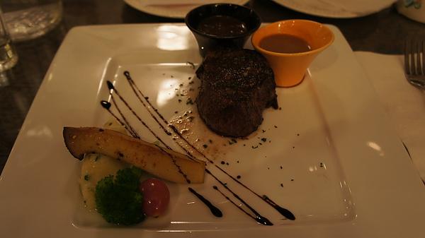 萊茵河餐廳 o