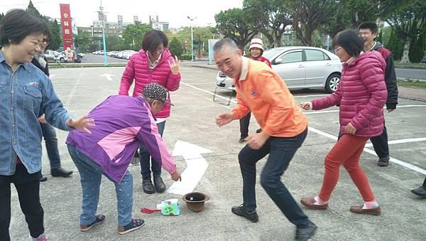 即興演出:一個資源回收塑膠瓶的童心_9965.jpg