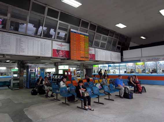 巴士站1.jpg