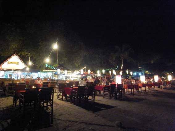 夜晚沙灘2.jpg