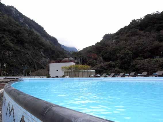 戶外泳池2.jpg