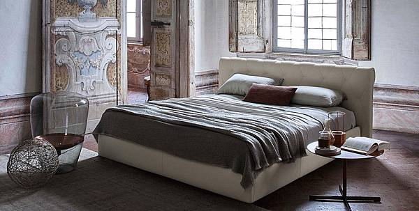 Poltrona Frau bed-Bluemoon-1