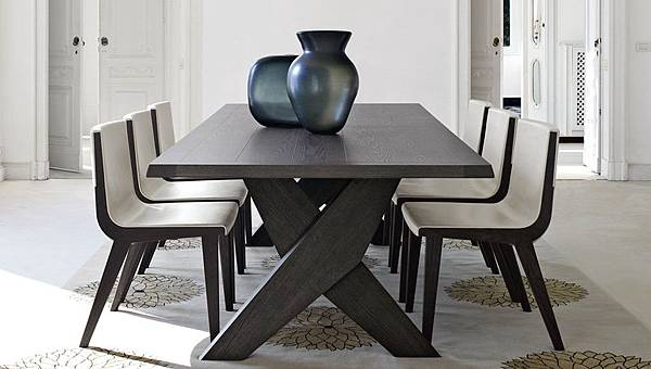 Maxalto Plato table-1.jpg