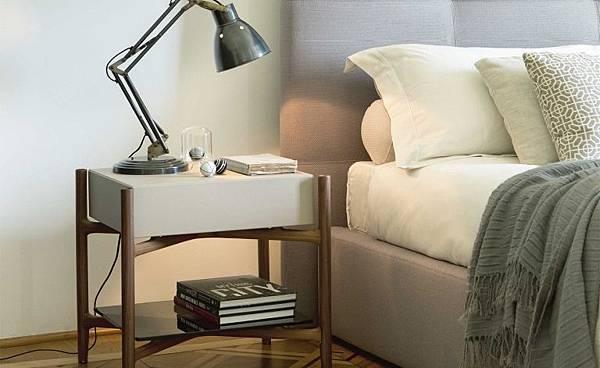 床頭櫃 Porada Regent-1.jpg