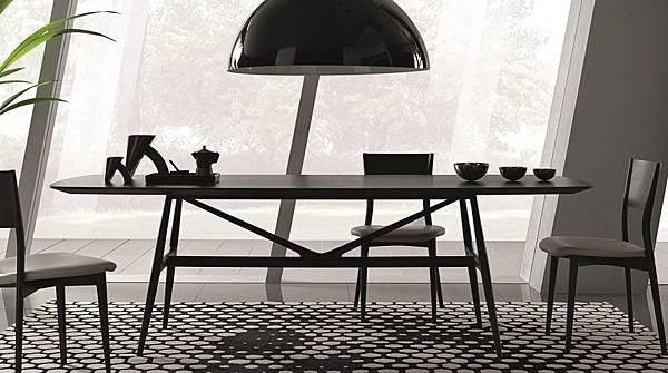 Misura Emme table - GAUDI-3.jpg