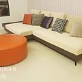 white sofa-5