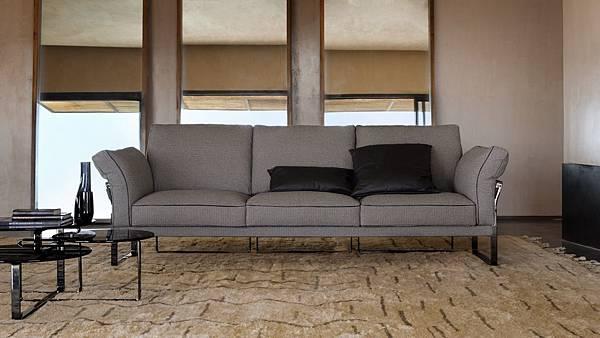 Fendi sofa-Metropolian-5.jpg