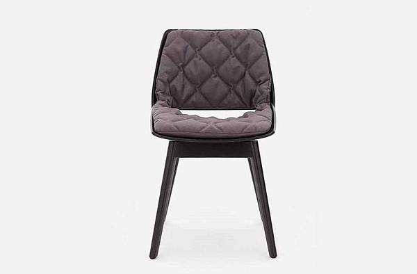 RolfBenz-650chair-2.jpg