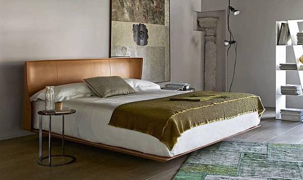 B%26;B Italia bed-ALYS-3.jpg