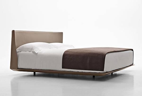 B%26;B Italia bed-ALYS-1.jpg