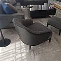 Minotti LESLIE款型主人椅-3.jpg