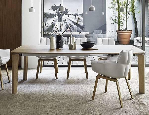 B%26;B italia Table_Oskar-1.jpg