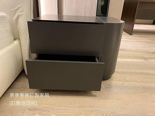 Shine款型床頭櫃W70-4.jpg