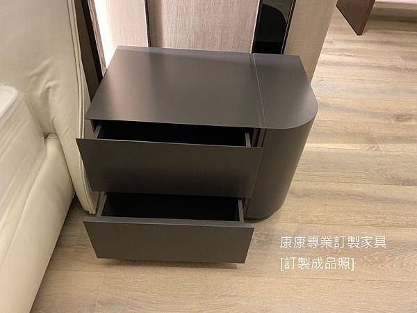 Shine款型床頭櫃W70-2.jpg