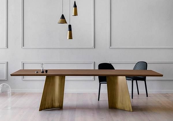 Miniforms Table Maggese-1.jpg
