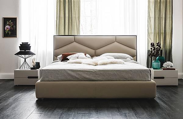 Cattelan Italia bed-Edward_1.jpg