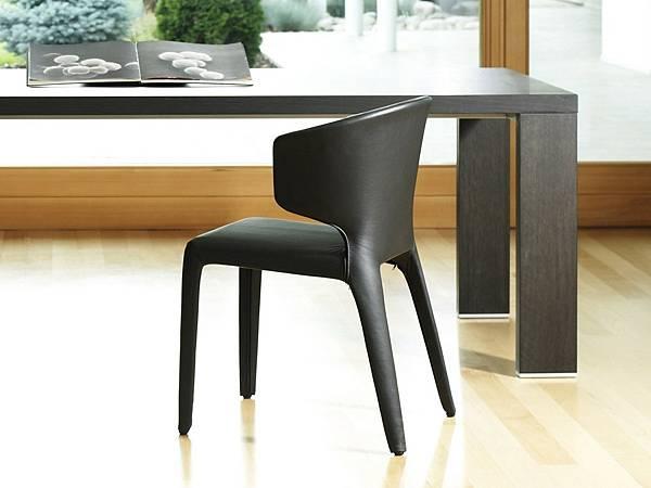 cassina餐椅367_hola_1.jpg