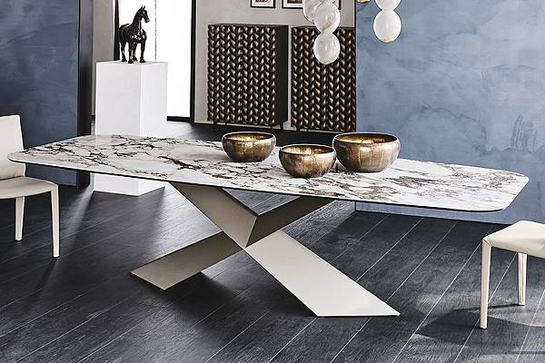 Cattelan Italiah餐桌Tyron-2.jpg