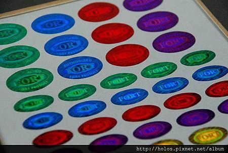 多色雷射商標達到顏色管理目的