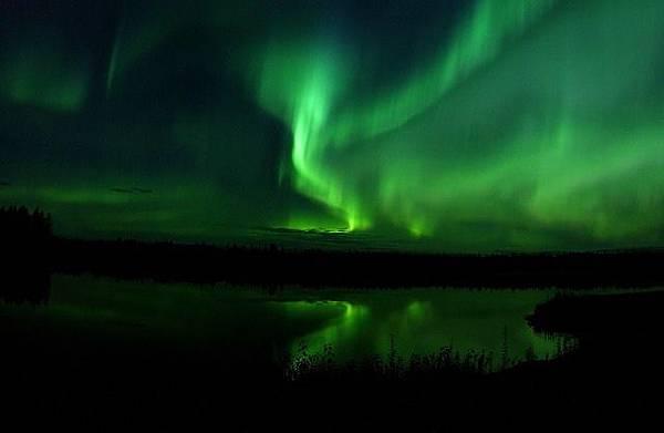 aurora-borealis-818716_640.jpg