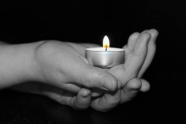 candle-1239891_640.jpg