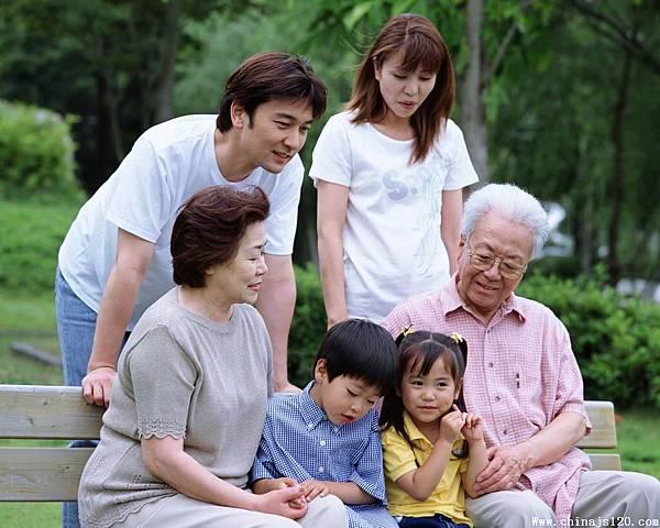 外籍幫傭看護-老年人相處2