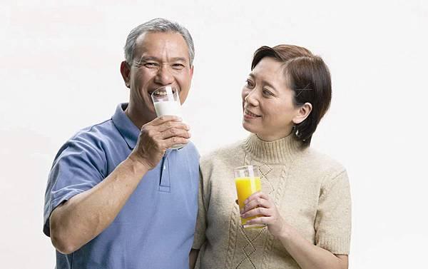 有益身心的飲食習慣-喝牛奶