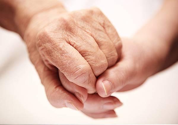 外籍幫傭與被照顧者的熟悉與相處