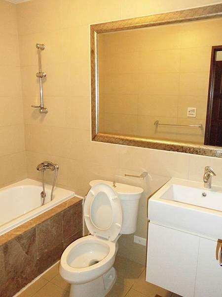 CIMG3087  衛浴櫥櫃設計規劃