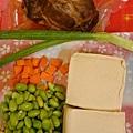 毛豆牛腱燴豆腐的材料