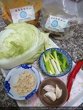 白菜滷的食材