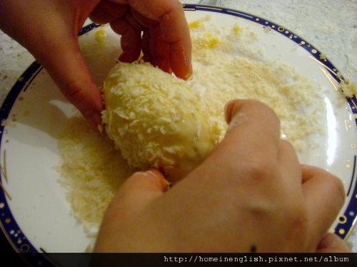 5沾麵包粉