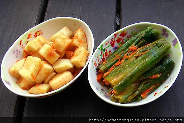 蘿蔔和小黃瓜泡菜