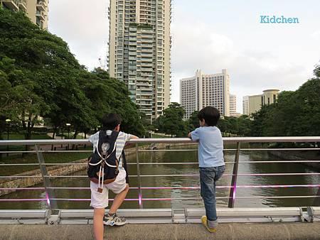 Singapore River Side 2.jpg